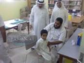 تطعيم طلاب الصف الأول بمدرسة عمر بن عبد العزيز