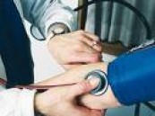 قياس مجاني لضغط الدم والسكر والكلوليسترول .