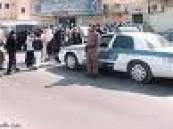 مديرة مدرسة تلجأ للشرطة بعد إحتجازها من قبل الطالبات .