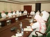 لتعزيز التعاون ودعم عملية التنمية بالأحساء : المجلس البلدي يجتمع بالصحافين والإعلاميين .