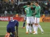 """كأس العالم 2010 … المكسيك تذبح """"الديوك"""" الفرنسية وتُضعف آمالها في المونديال"""