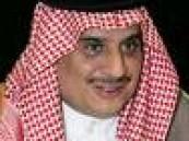 الأمير سلطان بن فهد يهنئ الحكم الدولي خليل جلال على نجوميته في إدارة مواجهة فرنسا والمكسيك أمس .
