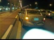 تأخر وصول المرور لأنهاء إجراءات حادث بسيط يتسبب في وقوع حادث آخر بين 10 سيارات  و7 إصابات  على طريق الملك فهد ( الظهران سابقا )