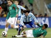 كأس العالم 2010 …الارجنتين الى ربع النهائي بعد فوزها على المكسيك 3-0  .
