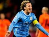 """كأس العالم 2010 … """"الطواحين"""" الهولندية في نهائي كأس العالم بعد تغلبها على منتخب الأوروغواي ."""