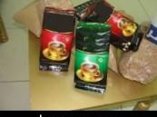 آخر تقليعات المهربين … ضبط أكثر من 35 ألف حبة مخدرة في أكياس القهوة والزعتر ( مرفق صور )  .