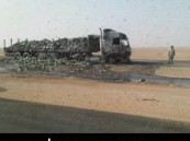 إندلاع حريق في حمولة شاحنتين على طريق الأحساء ? حرض ? الرياض دون خسائر بشرية .