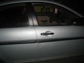 دوريات الأمن بالرياض توقع بجان استأجر سيارات بشخصيات وهمية .