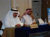 رئيس تحرير جريدة الوطن السعودية السابق يدعو الصحف العربية إلى القلق بشأن مستقبل النشر الورقي