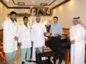 قسم العمليات بمستشفى الملك فهد بالهفوف يكرم مدير صحة الأحساء