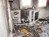 بالصور.. حريق يُدِّمر شبكة الحاسب الآلي في مكتب العمل بأبها