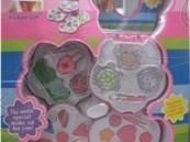 """""""الغذاء والدواء"""" تحذر من استخدام منتج ألعاب مكياج أطفال"""