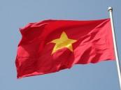 وزير الدفاع الفيتنامي يطالب بإزالة منصة نفط صينية في بلادة