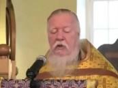 بالفيديو .. قسيس مسيحي يجيب على سؤال غريب.. لعجوز نصرانية عن المسلمين