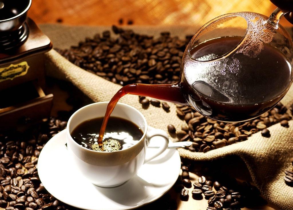 القهوة تقلل التوتر وتساعد على إدرار البول