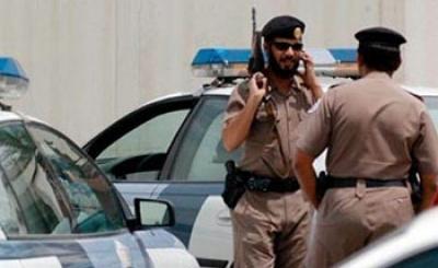 ملثمان يسطوان على سيارة نقل أموال في #القطيف