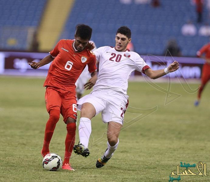 """بالصور … المنتخب القطري يقلب التوقعات ويتأهل إلى النهائي """"خليجي 22"""" بعد فوزه على عمان"""