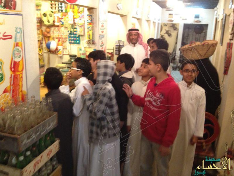 طلاب متوسطة الحليلة يزورون متحف الخليفة التراثي