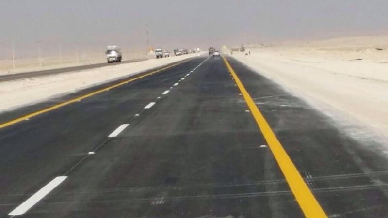 """بالصور … """"امن الطرق"""" تشرف على انتهاء اصلاح طريق سلوى البطحاء"""