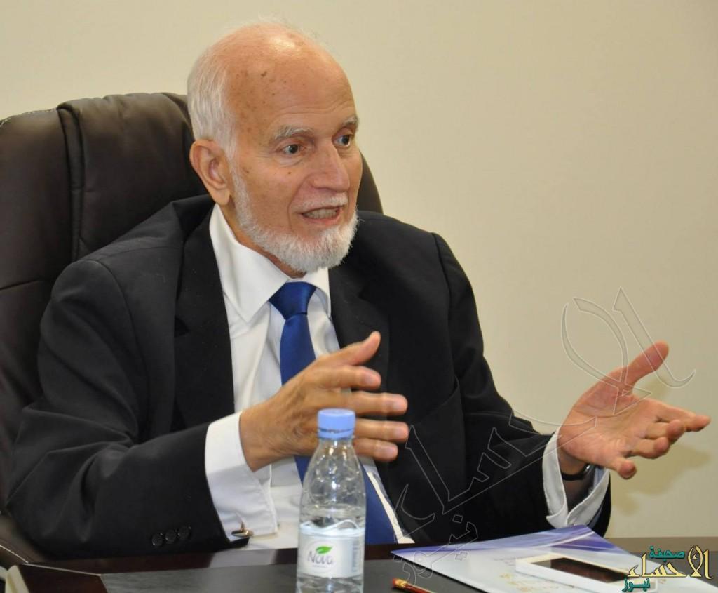 معالي الدكتور عمر نصيف يقدم خطاب شكر لرواد كشافة الأحساء