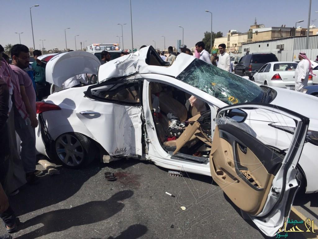 """بالصور… حادث مروع لارتطام """"النترا"""" يتسبب بإصابات خطرة"""