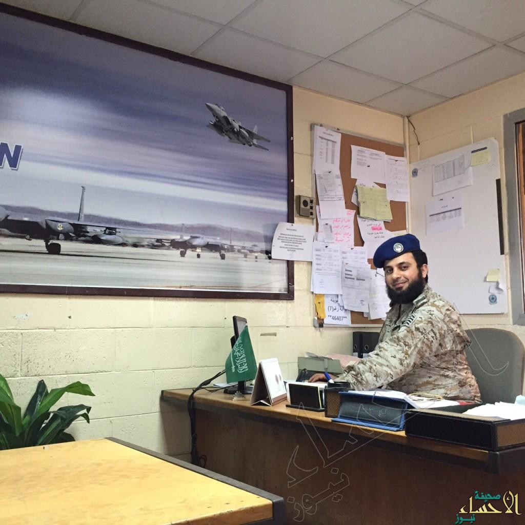 """بالصور… عسكري """"سعودي"""" رفض إجراء عملية جراحية ليشارك في """"عاصفة الحزم"""""""