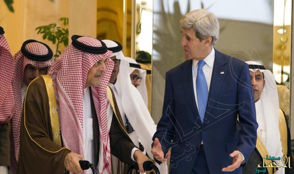 سعود الفيصل مداعبا الصحفيين .. من يريد ان يسابقني ؟