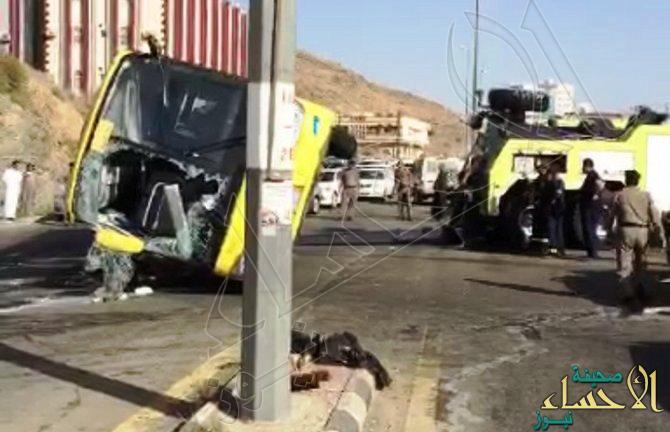 """انقلاب """"باص"""" يسفر عن إصابة 17 طالبة بحادث مروري في الباحة"""