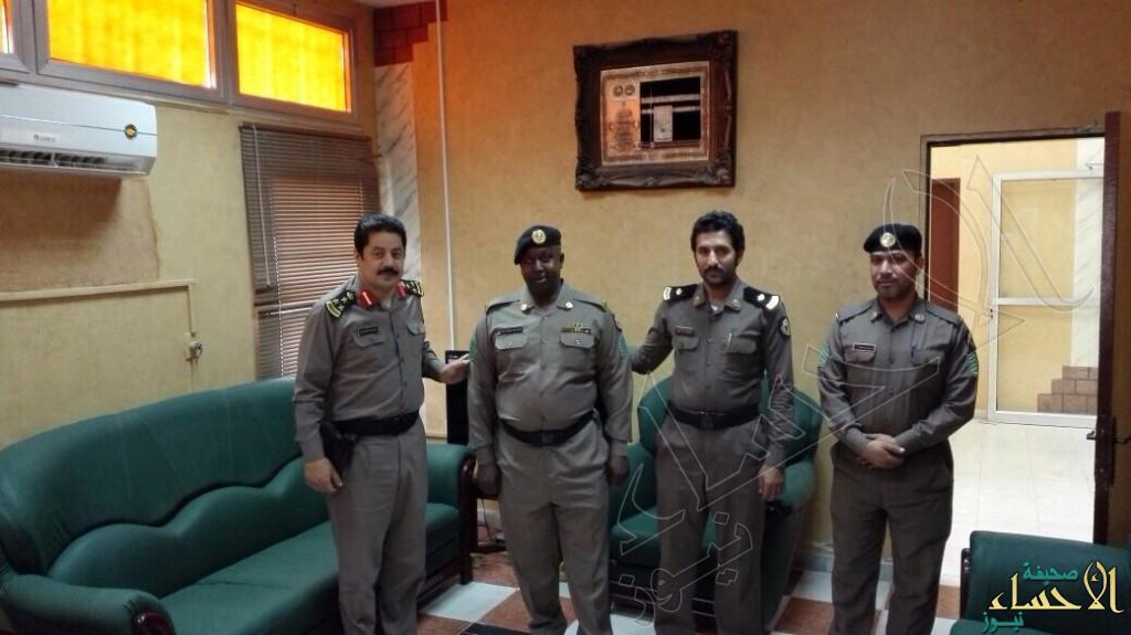 """مدير شرطة """"العديد"""" يُقلد """"آل حمد"""" و""""الحنين"""" رتبتهم الجديدة"""