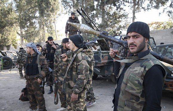 المعارضة تسيطر على أكبر قاعدة عسكرية لنظام بشار في إدلب