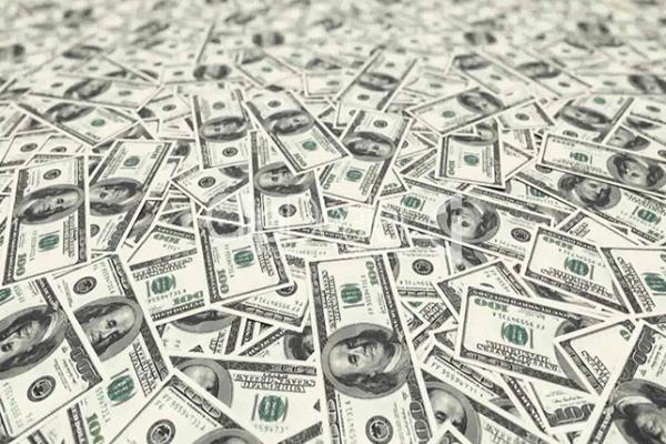 الحكومة الأمريكية تقتسم ثروة تاجر مخدرات معه رغم اعترافه
