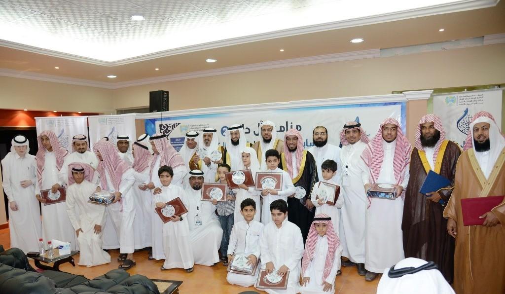 شراكة مجتمعية بين نادي الجيل وجمعية تحفيظ القرآن بالأحساء