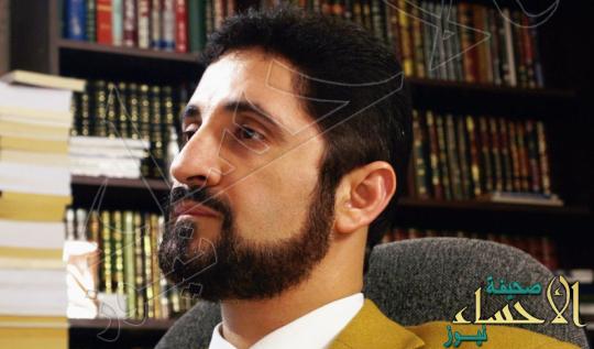 """""""عدنان"""" إبراهيم يروي ملابسات احتجازه بالمطار ومنعه من دخول """"الإمارات"""""""