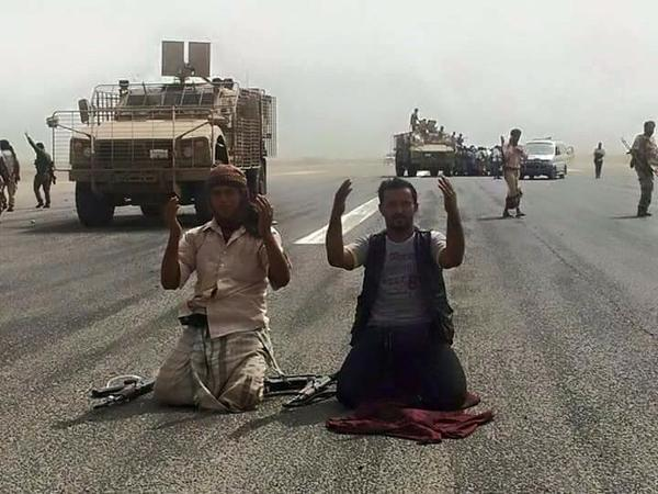بالصور والفيديو.. هذا ما فعله اليمنيون بعد تحرير عدن من الميليشيات الحوثية
