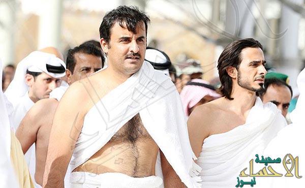"""بالصور.. شاهد """"تميم بن حمد"""" والوفد المرافق له خلال أدائهم مناسك العمرة"""