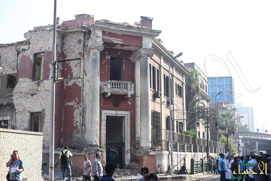 بالصور.. قتيل و4 جرحى في انفجار ضخم أمام القنصلية الإيطالية بالقاهرة