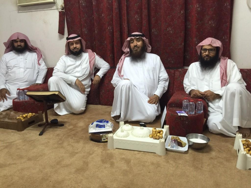 """أعضاء مجلس """"تعاوني الخالدية"""" في ضيافة الأمير عبدالله بن سعد بن جلوي"""