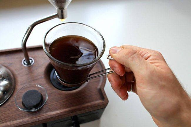 """دراسة: تناول القهوة فترة المساء يؤخر النوم """"40"""" دقيقة"""