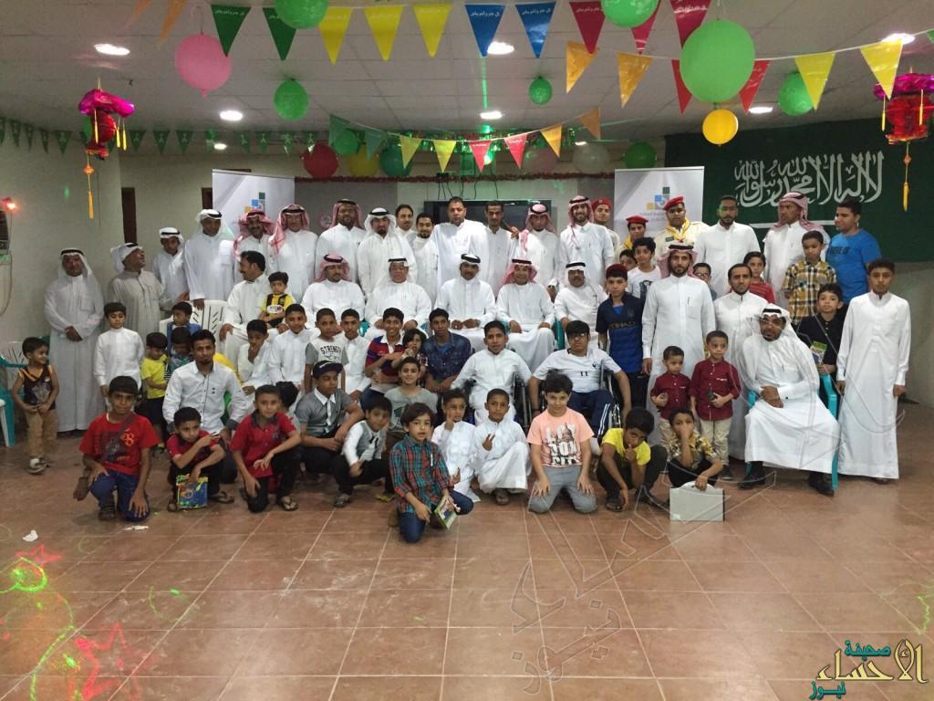 بحضور عمدة الفضول… مركز النشاط الاجتماعي يقيم حفل معايدة لـ200 شخص