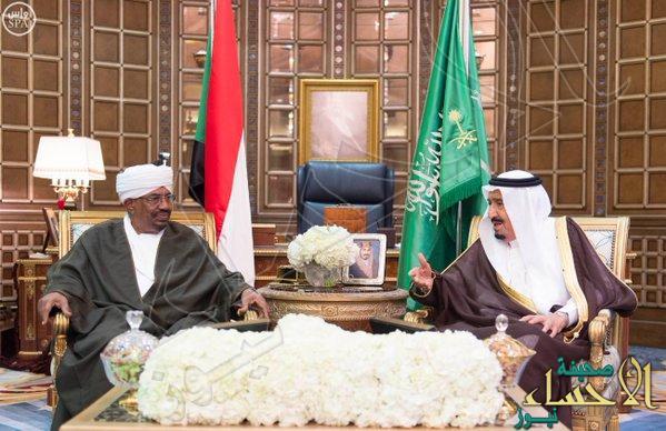 خادم الحرمين ورئيس جمهورية السودان يعقدان جلسة مباحثات ويحضران توقيع أربع اتفاقيات