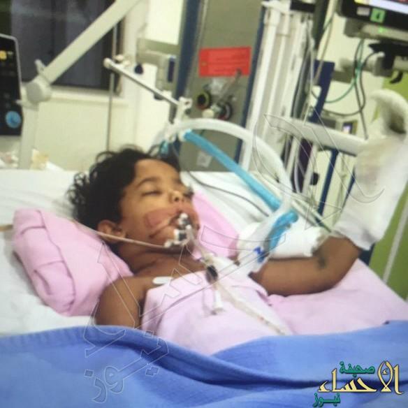 بالصور.. معجزة تنقذ طفل بعد محاولة خادمة ذبح ابن كفيلها