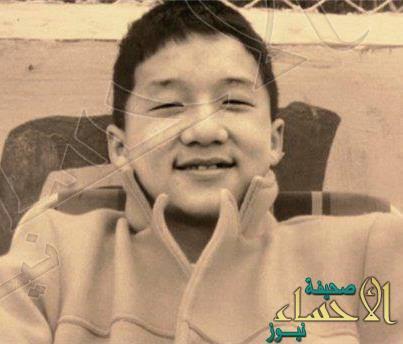 f02623765 1- لقبه وهو طفل باو باو، وهي كلمة صينية تعني المدفع، وذلك لأنه كان طفلاً  نشيطاً وكثير الحركة. Jackie-Chan-Family-Photo. 2- ...