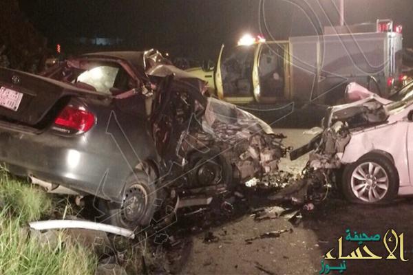 """مصرع وإصابة 10 في تصادم مركبة طالبات بـ""""وانيت"""" جنوب الطائف"""