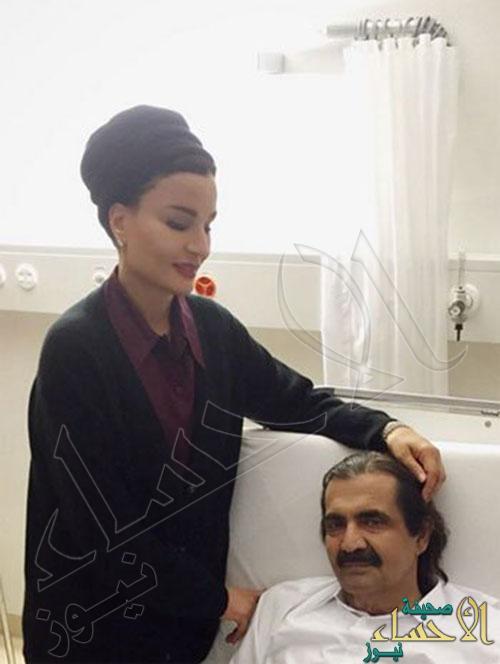 """الشيخة """"موزة"""" تنشر صوراً لها برفقة زوجها عقب إجراءه جراحة بسويسرا"""
