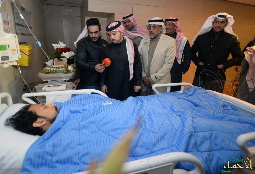 بالصور.. #الفتح يزور مصابي #تفجير_الأحساء بـ #مستشفى_الموسى_التخصصي