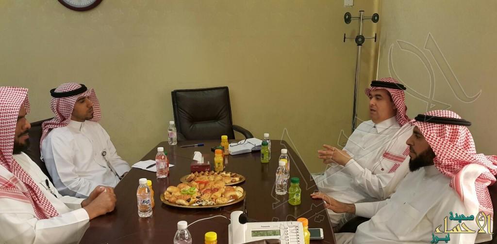 """""""كورونا"""" على طاولة اجتماع الصحة المدرسية والشؤون الصحية بالأحساء"""