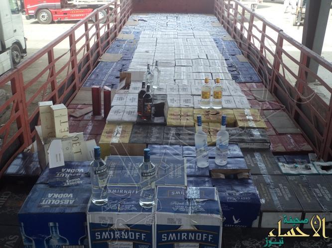جمرك البطحاء يحبط تهريب 35 ألف زجاجة خمر مخبأة داخل إرساليتي معكرونة وشعيرية