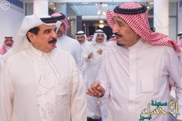 بالصور.. خادم الحرمين وملك البحرين يستعرضان العلاقات الثنائية بين البلدين