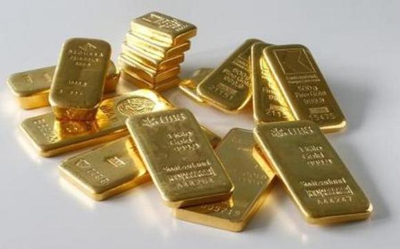 الذهب يصعد مقترباً من أعلى سعر له في عامين
