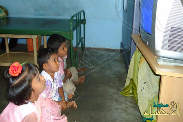 إدمان التلفاز في الصغر يهدد بهشاشة العظام عند البلوغ